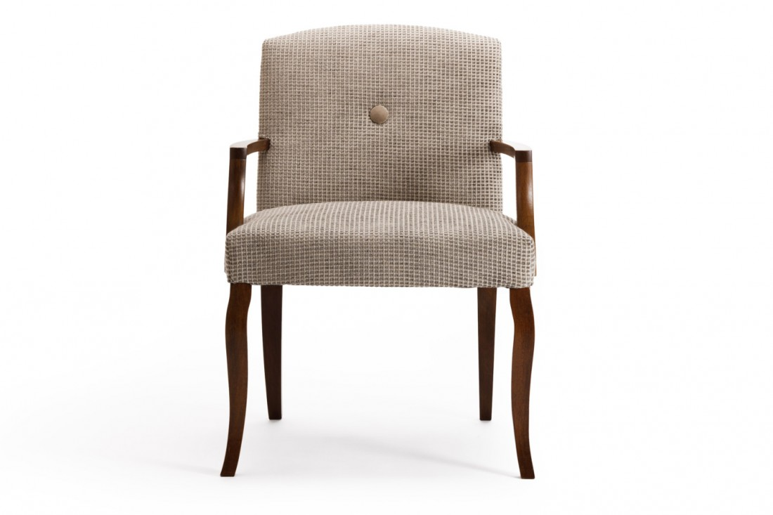 Madison Carver The Odd Chair Company : Madison Carver front view 1100x733 from www.theoddchaircompany.com size 1100 x 733 jpeg 83kB